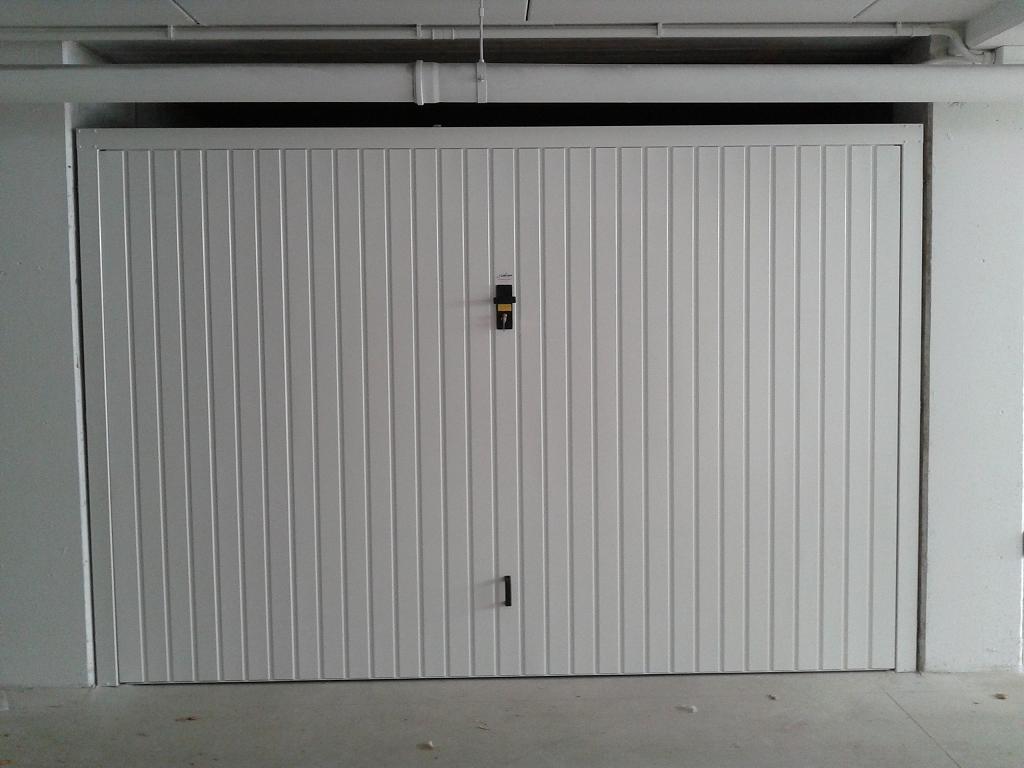 Serratura di sicurezza su serranda box fabbro milano - Proteggere basculante garage ...