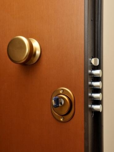 Come aprire serrature europee e porte blindate fabbro milano - Come cambiare serratura porta interna ...